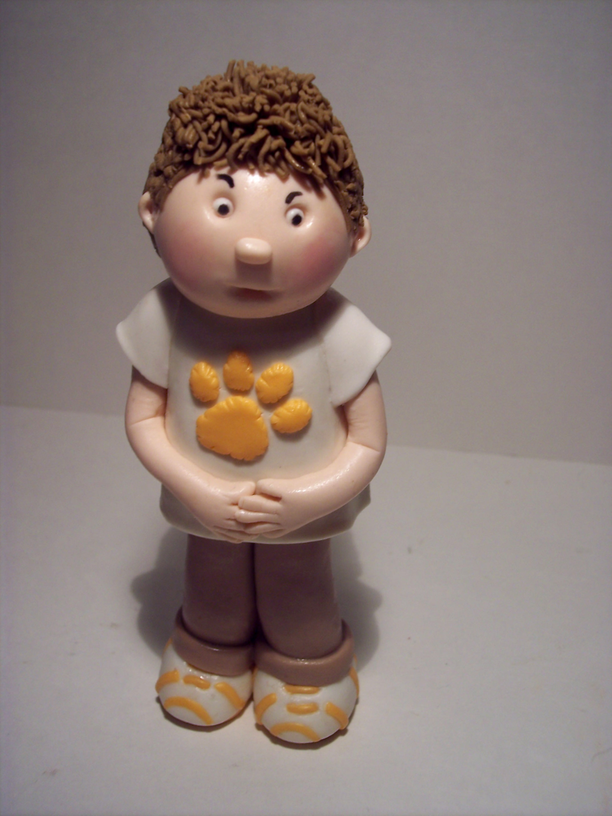 how to make fondant figures for cakes